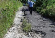 11 Ruas Jalan Kabupaten di Nusa Penida Belum Tertangani