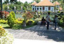 Buka Saat Hari Baik, Pengunjung Taman Ujung Mulai Berdatangan