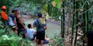 Cari Bambu, Jatuh ke Sungai, Pelajar SMA Hilang