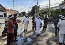 Desa Adat Cek Kesiapan Prokes Kafe Ikan Bakar di Jimbaran