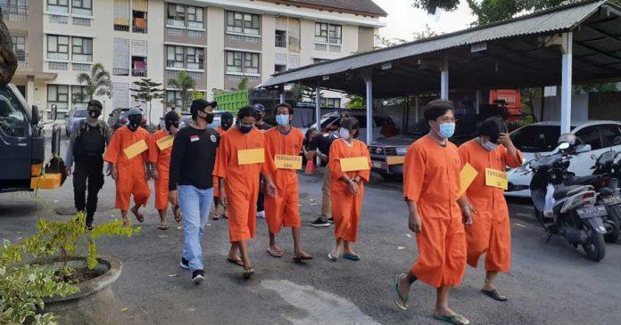 "Lima Pengedar Pil ""Y"" di Klungkung Ditangkap"