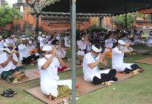 Pujawali di Pura Lingga Bhuwana Puspem Badung, Protokol Kesehatan Tetap Dilakukan