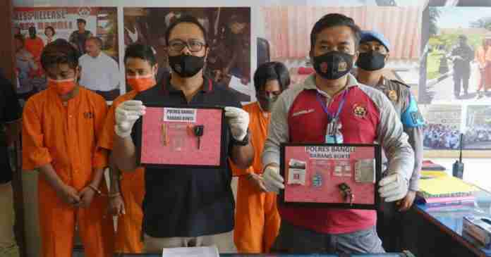 Kantongi SS, Oknum CS Pemkab Klungkung Diringkus di Bangli