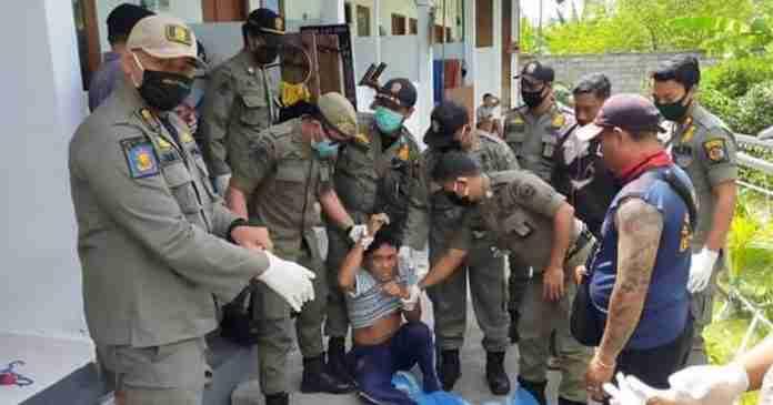 Ngamuk, ODGJ Diamankan Satpol PP Denpasar
