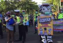 Akhiri Operasi Zebra, Polantas Jembrana Bagikan Sembako