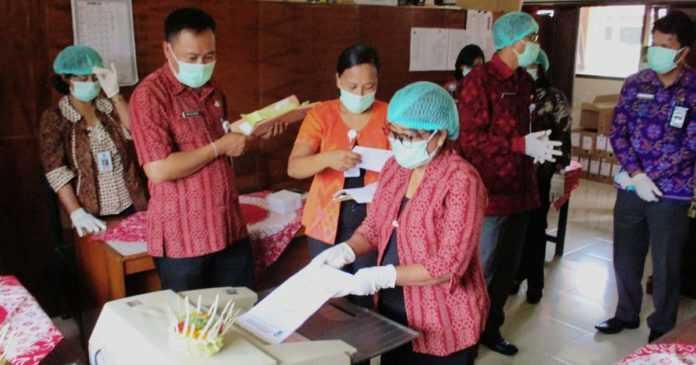 Di Bangli, Ribuan Lembar Arsip Dimusnahkan
