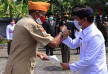 Hari Pahlawan, Suwirta Serahkan Bantuan ke LVRI