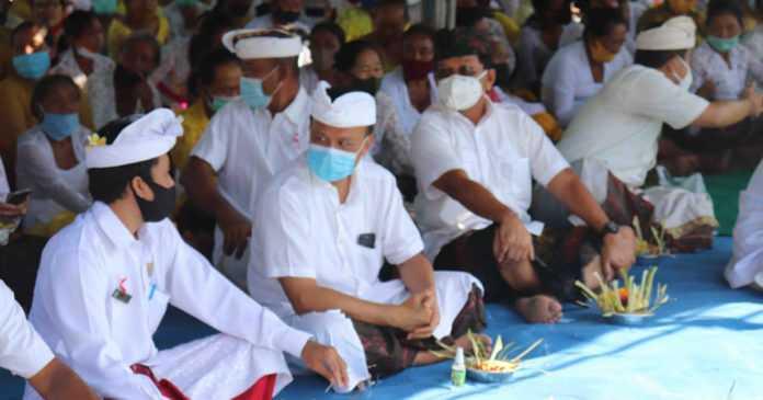 Mohon Restu, Pemkab Buleleng dan Pemprov Bali Gelar Doa Bersama