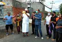 Tanpa Bantuan Pemerintah, Warga Dusun Marga Garuda Sukses Hotmix Jalan