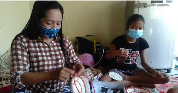 Tatanan Hidup Baru, Perajin Batok Kelapa Waliang Mulai Terima Order