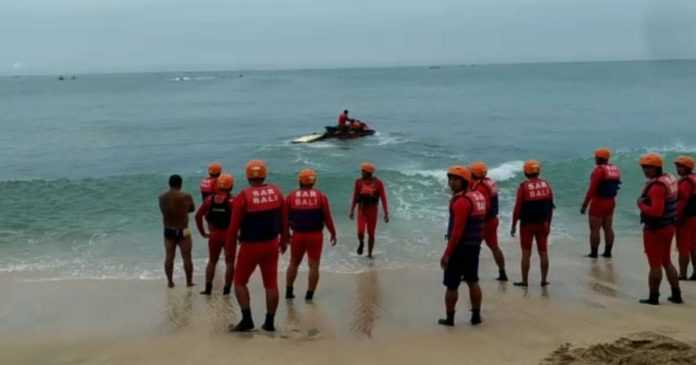 Basarnas Latihan Penyelamatan Dengan Jet Ski