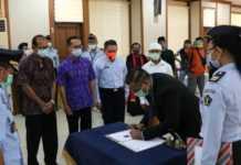Tiga WNA Jalani Penyumpahan di Kemenkumham Bali