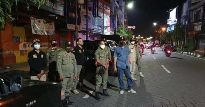 Cegah Pedagang Meluber, Satpol PP Jaga Jl. Gajah Mada