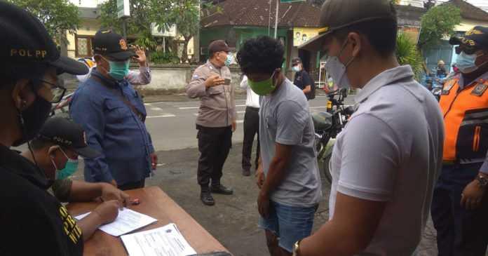 Di Denpasar, Pelanggar Prokes Masih Marak