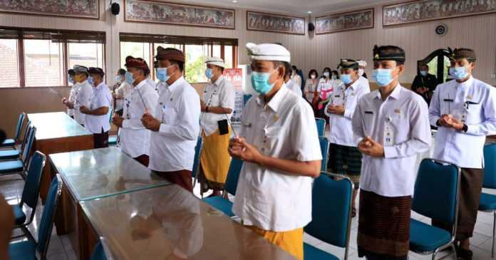 Suwirta Mutasi 21 Pejabat di Klungkung